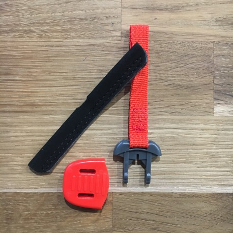 LACE LOCK RED